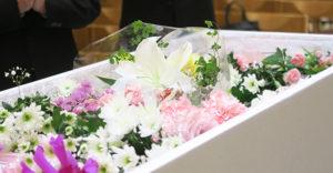 ヌジファ(抜魂)で家に帰る。家族を亡くした時の儀礼