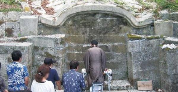 沖縄の風葬の歴史☆本州とは違う葬送の習わしとは   おきなわごころ ...